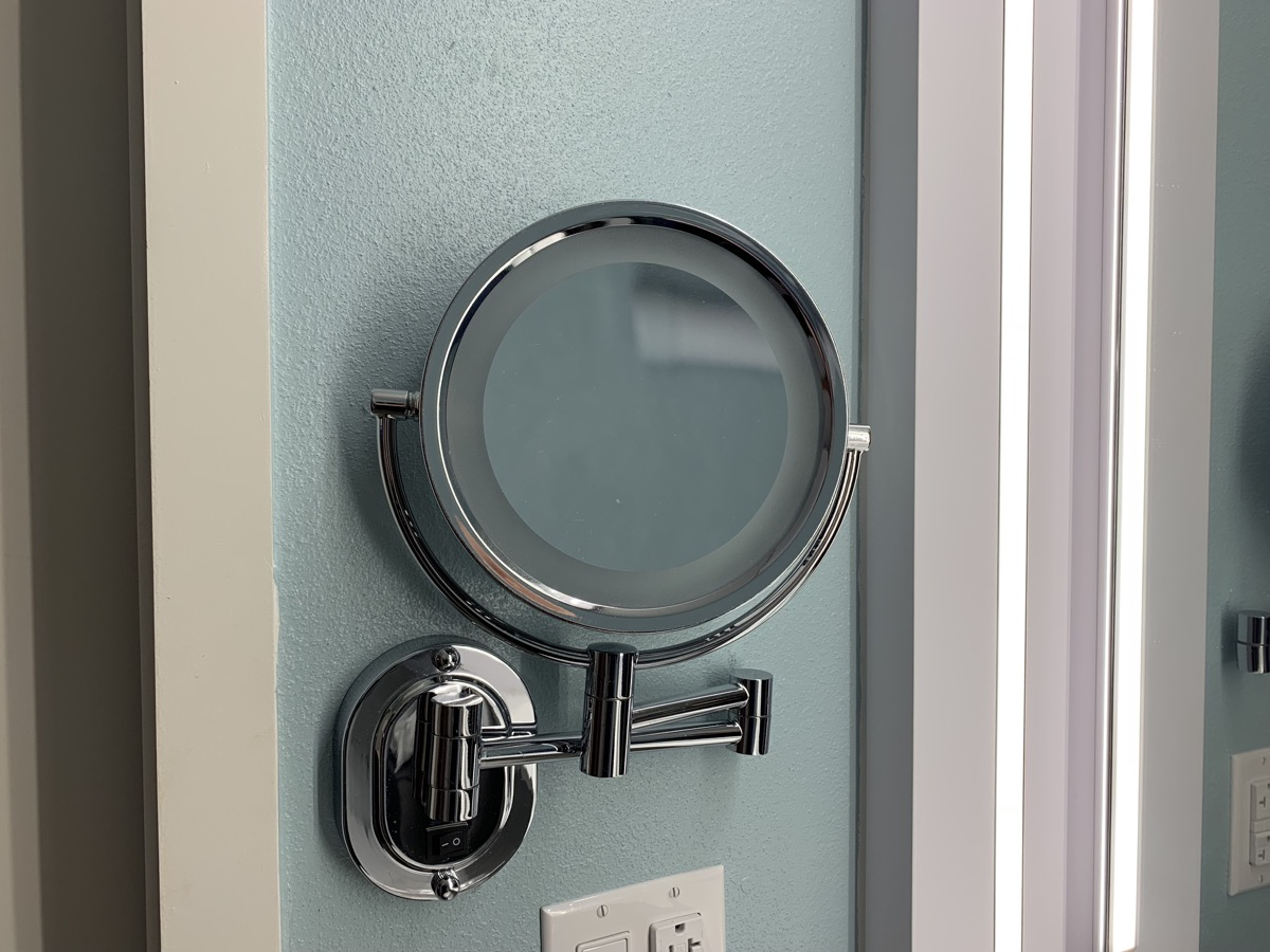 disney world pop century review room bathroom 12.jpeg