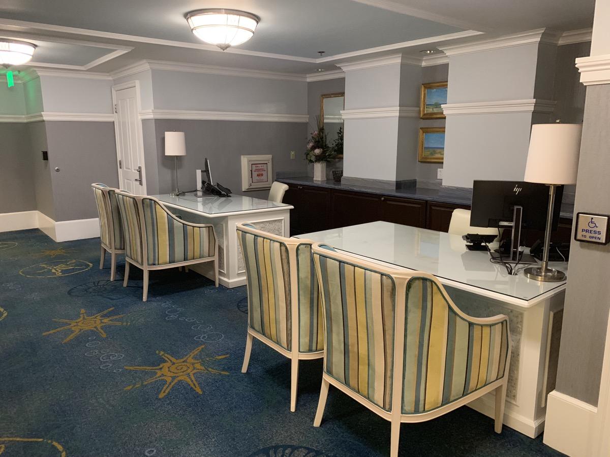 disney beach club club level stone harbor lounge review desk.jpeg