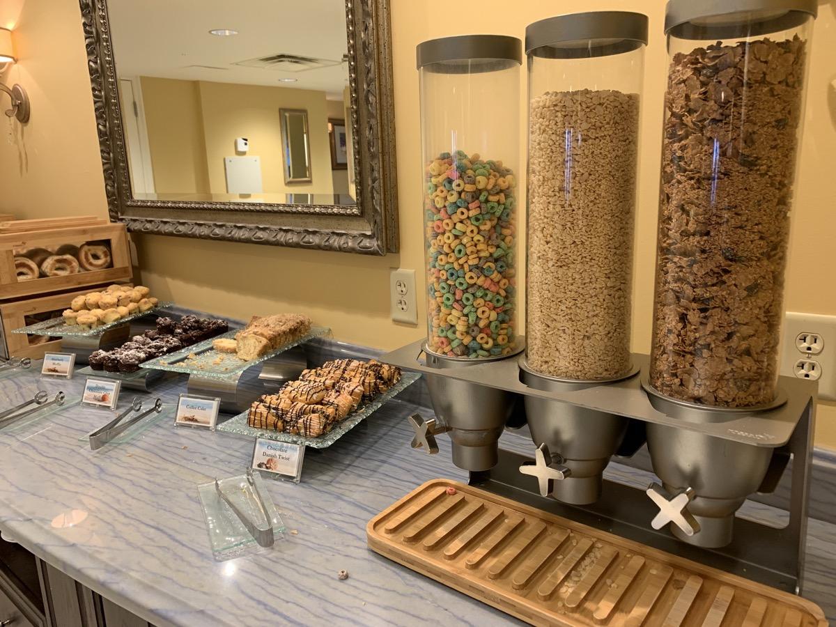 disney beach club club level stone harbor lounge review breakfast 1.jpg
