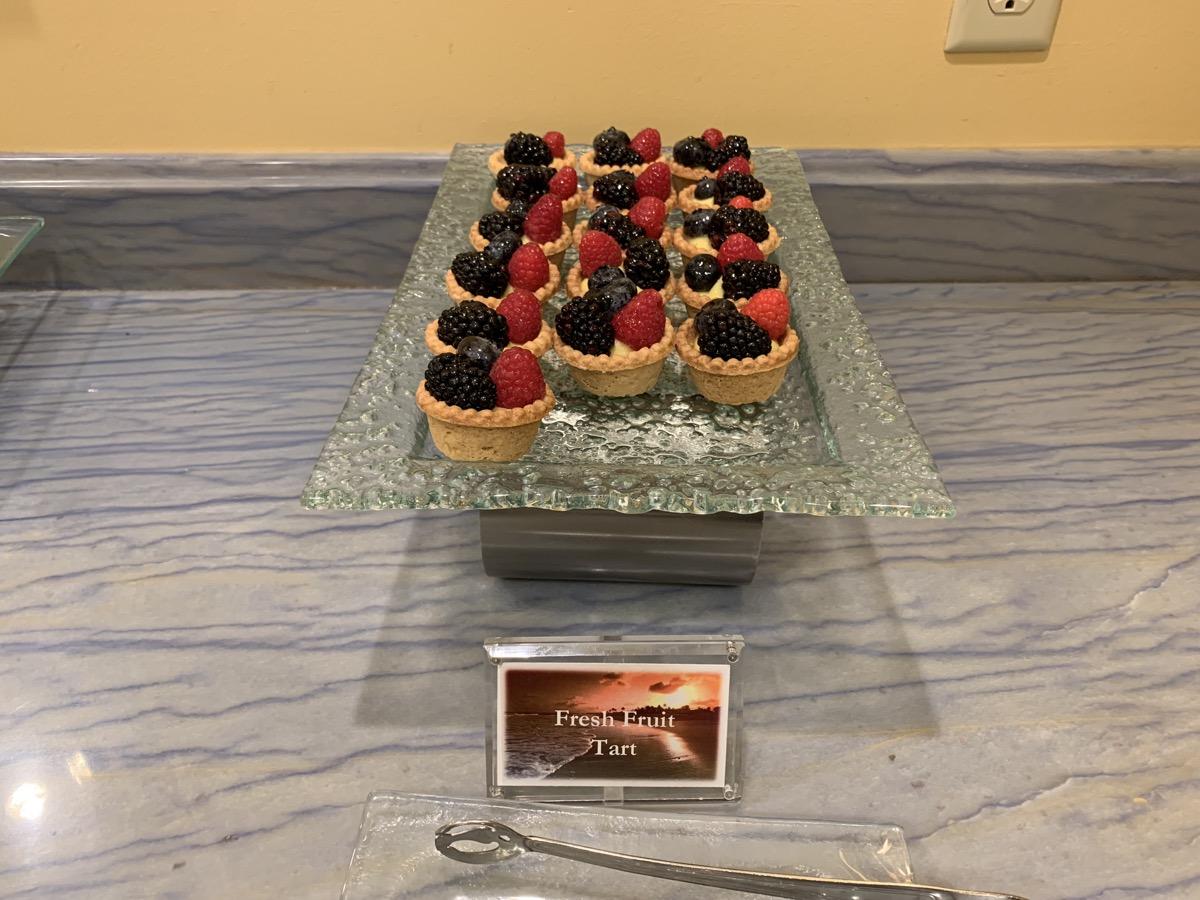 disney beach club club level stone harbor lounge review dessert 1.jpeg