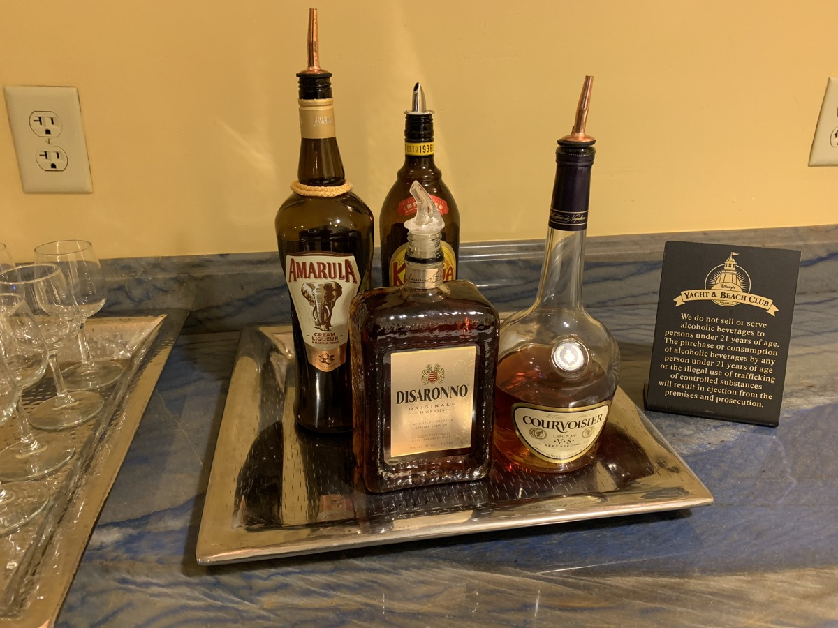 disney beach club club level stone harbor lounge review dessert 15.jpeg