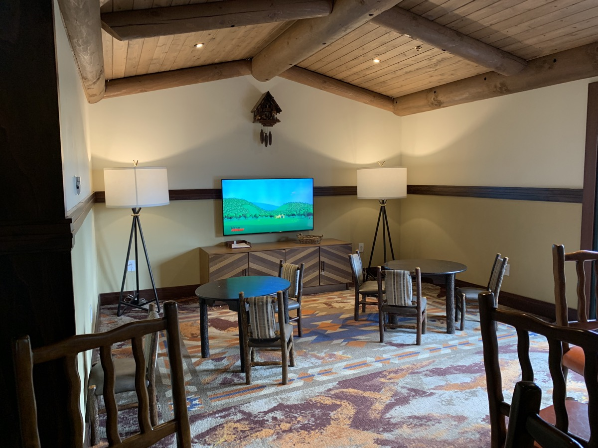disney wilderness lodge old faithful club level review lounge 2.jpeg