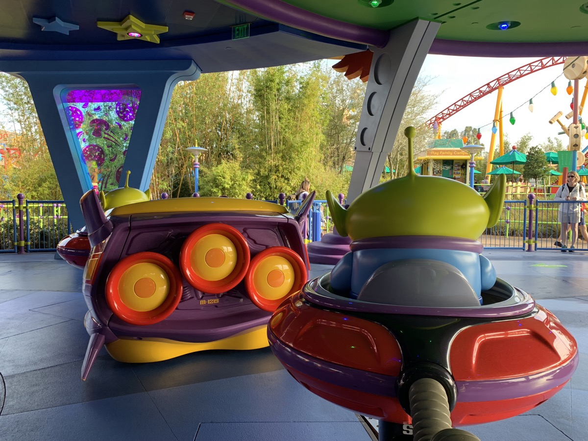 hollywood studios animal kingdom park hopping alien swirling saucers.jpeg