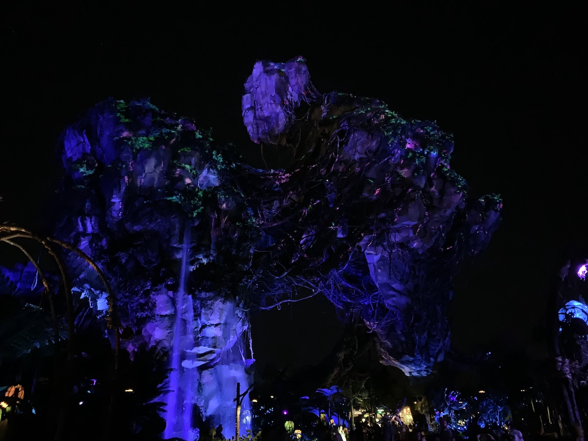 hollywood studios animal kingdom park hopping pandora night.jpeg