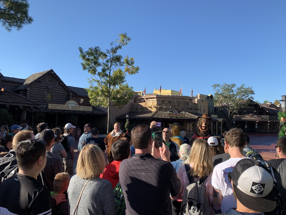 magic kingdom rope drop frontierland stop.jpeg