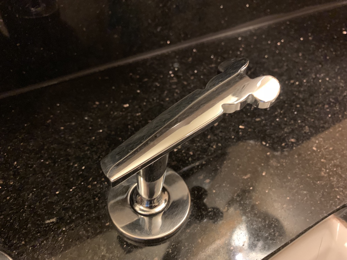 disneyland hotel review room bathroom 9.jpeg