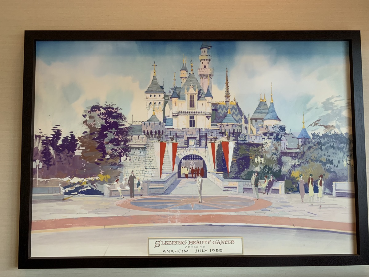 disneyland hotel review fantasy 1.jpeg