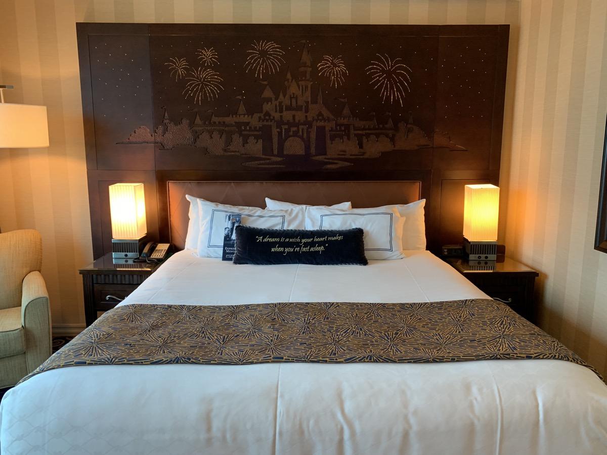 xdisneyland hotel review room headboard 1.jpeg