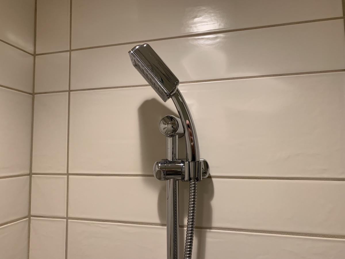 disney grand californian hotel review bathroom 8.jpeg