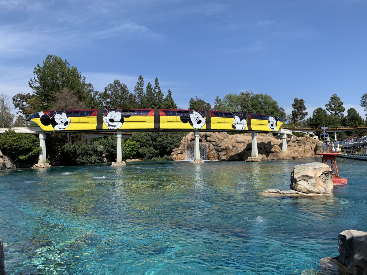 disneyland rides guide monorail 2.jpeg