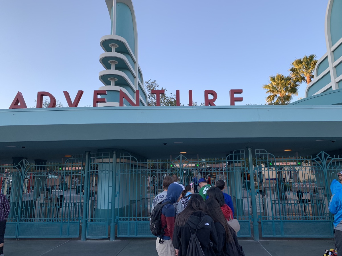 Disney California Adventure Rope Drop Strategy - Mouse Hacking