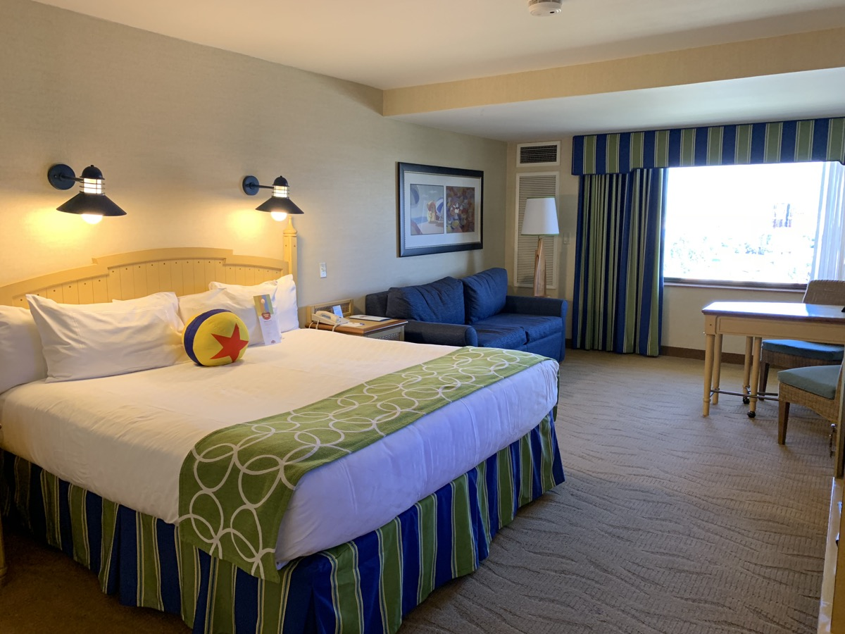 disney paradise pier hotel review room 1.jpeg