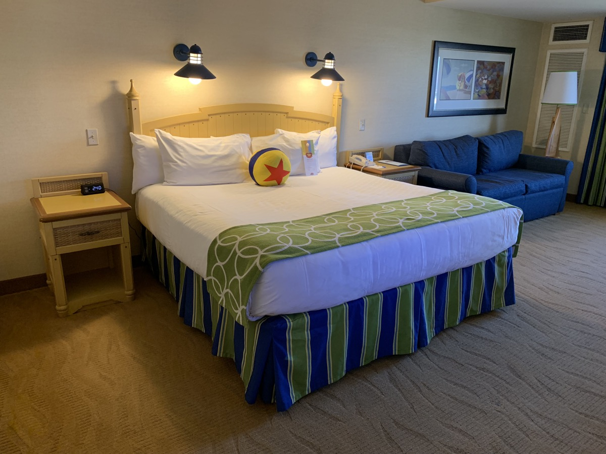 disney paradise pier hotel review room 2.jpeg