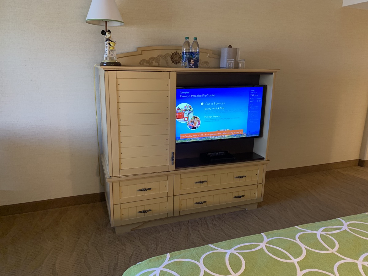 disney paradise pier hotel review room 7.jpeg