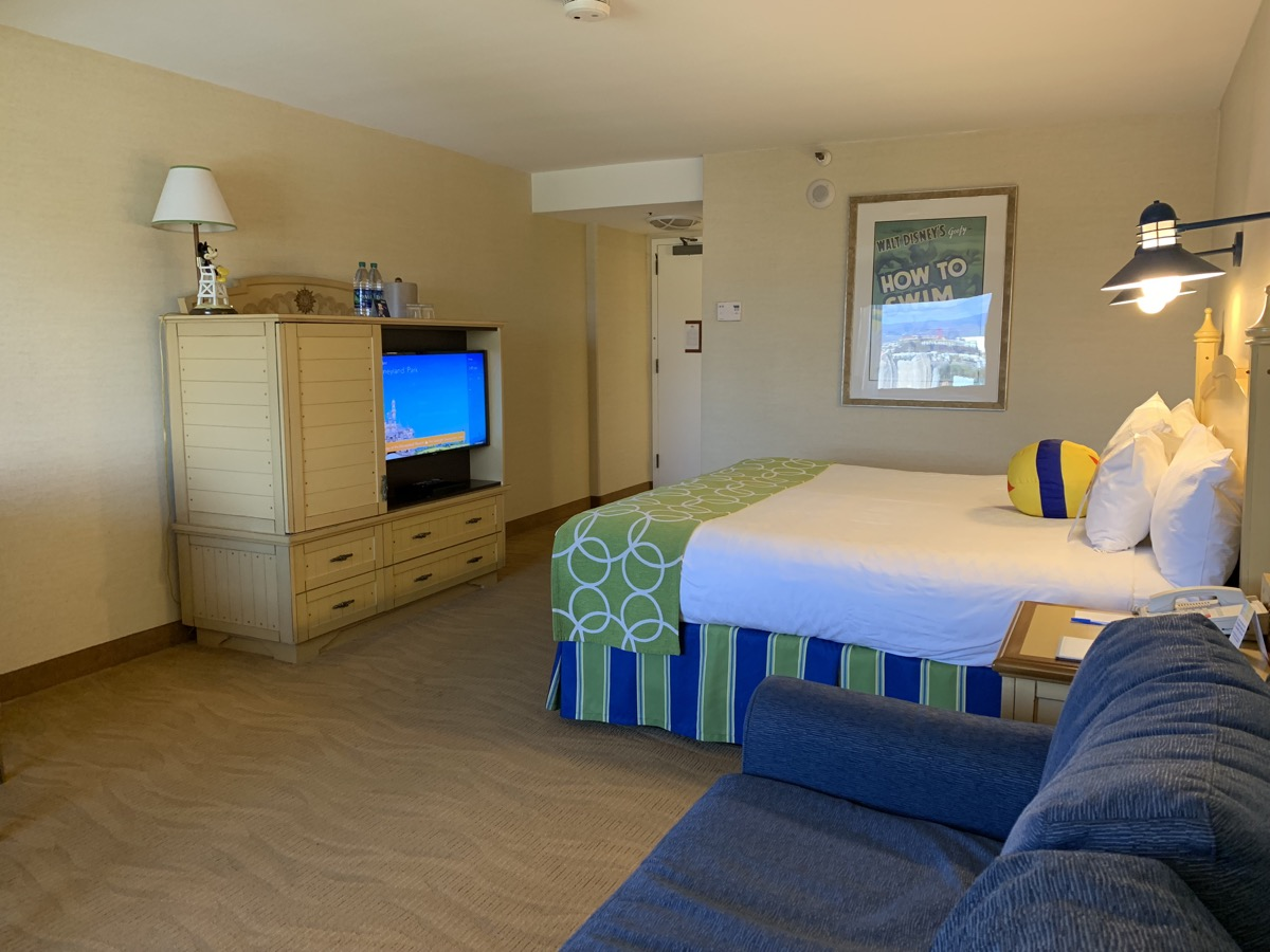 disney paradise pier hotel review room 14.jpeg