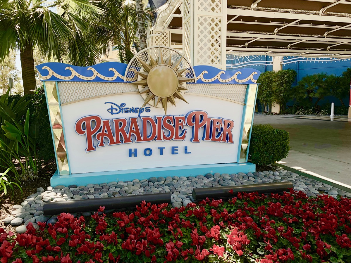 disney paradise pier hotel review sign.jpeg