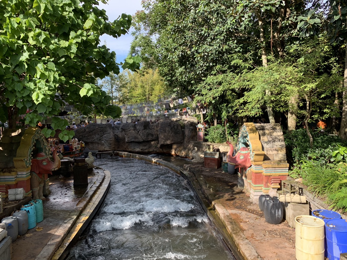 disney animal kingdom rides attraction entertainment kali river rapids.jpeg