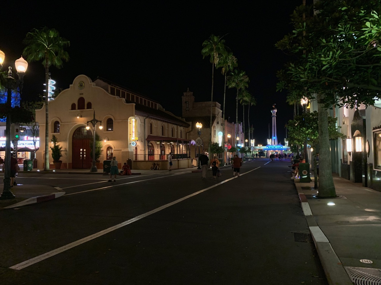 disney world hollywood studios after hours review 48 crowds.jpeg