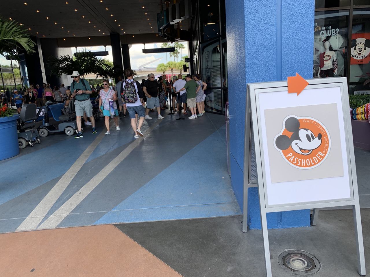 disney world trip report early summer 2019 day four 02 passholder magnet.jpeg