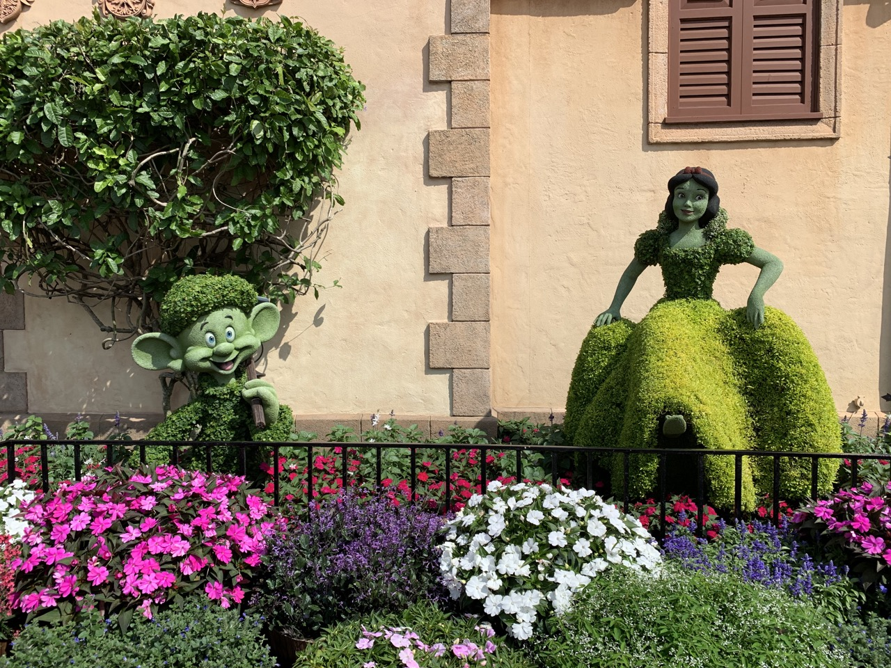 disney world trip report early summer 2019 day four 33 topiary.jpeg