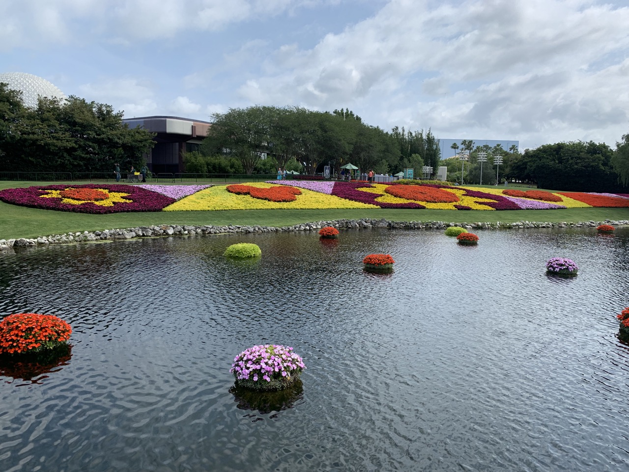 disney world trip report early summer 2019 day six 37 flowers.jpeg