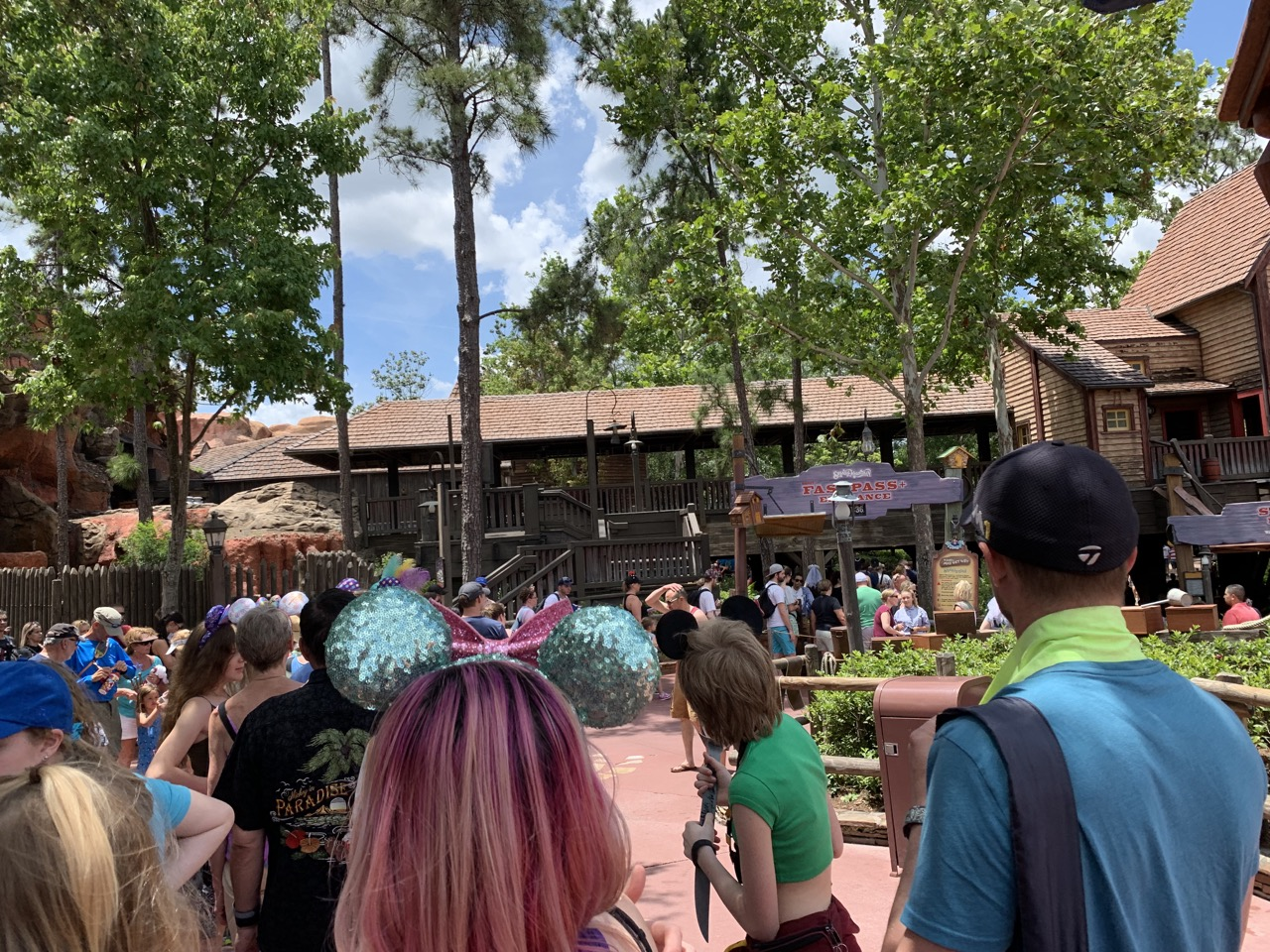 disney world trip report early summer 2019 day five 48 splash fastpass queue.jpeg