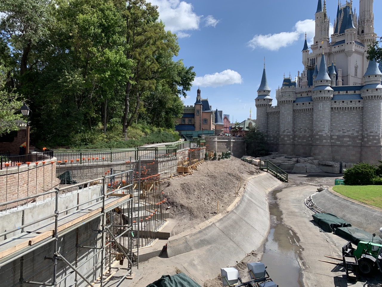 disney world trip report early summer 2019 day five construction 1.jpeg
