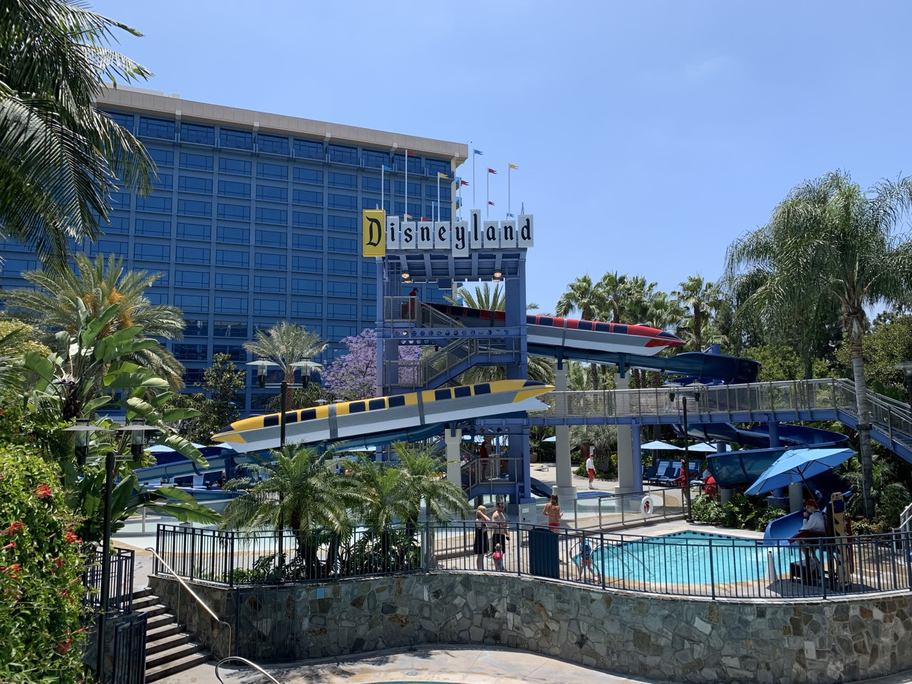disneyland trip report day 1 disneyland hotel pool 1.jpeg