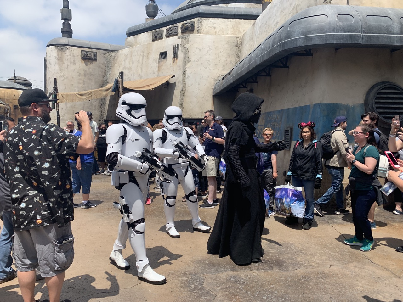 star wars land disneyland galaxys edge plan touring strategy 8.jpeg