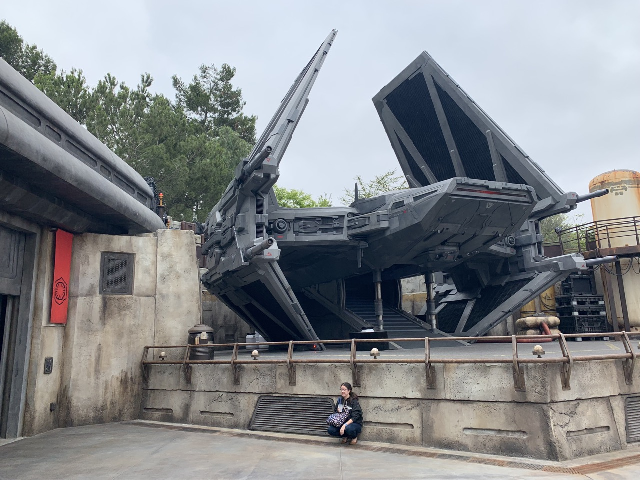 star wars land disneyland galaxys edge plan touring strategy 6.jpeg