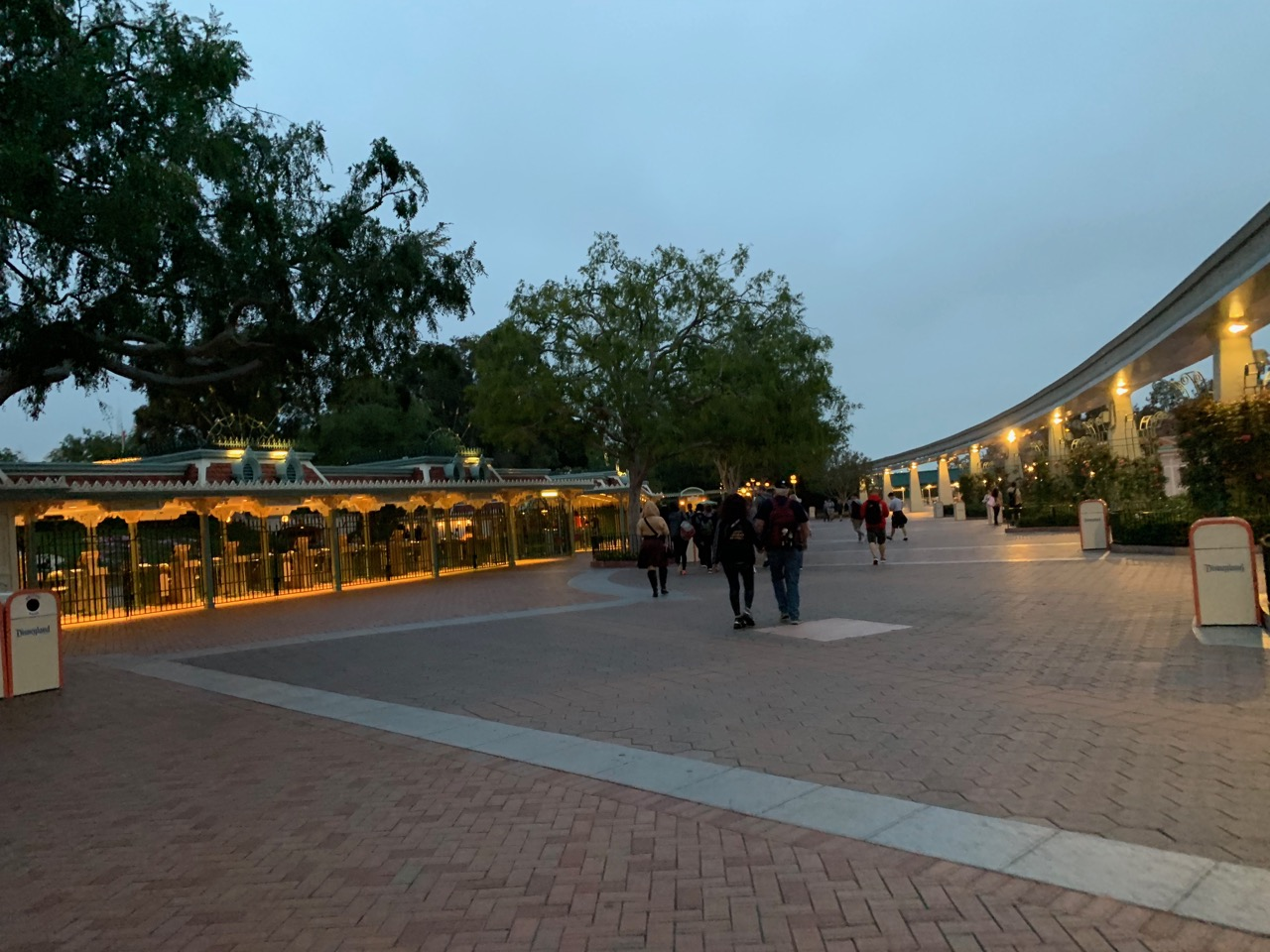 star wars land disneyland galaxys edge plan touring strategy 15 morning gate.jpeg