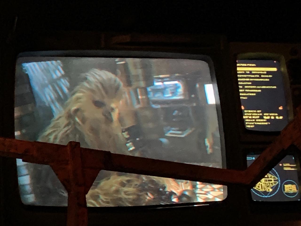 disneyland trip report galaxys edge afternoon 18 falcon queue 07.jpeg
