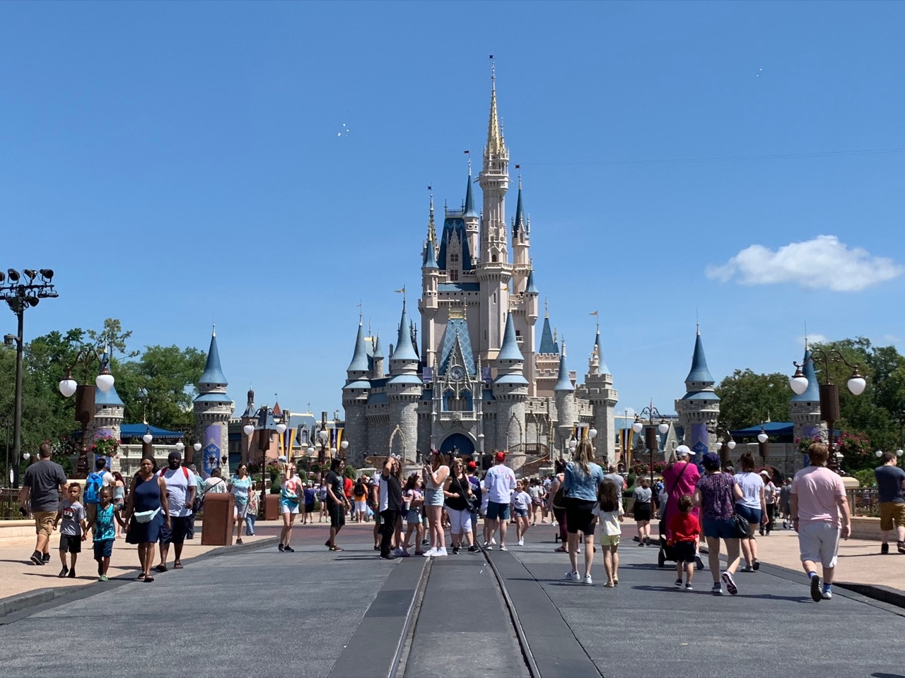 magic kingdom fastpass tips strategy 01 castle.jpeg