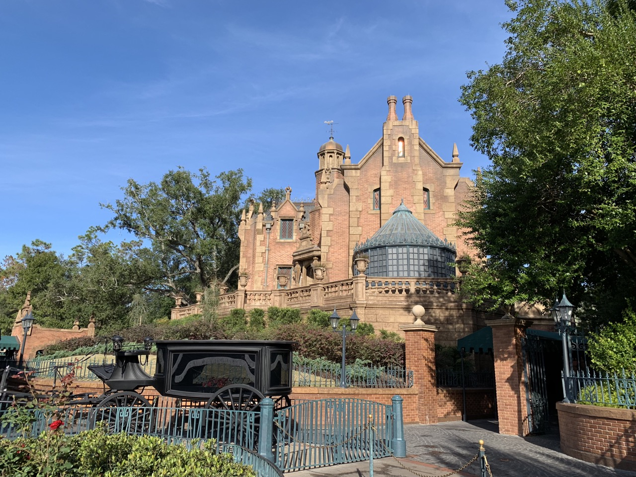 magic kingdom with toddler rides 06 haunted mansion.jpeg