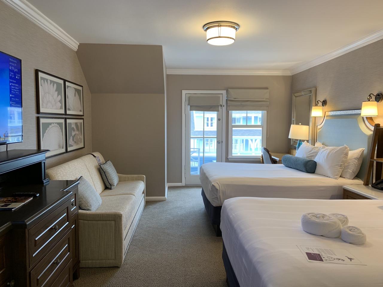 disney world best deluxe resort hotel ranking 13 beach club room.jpeg