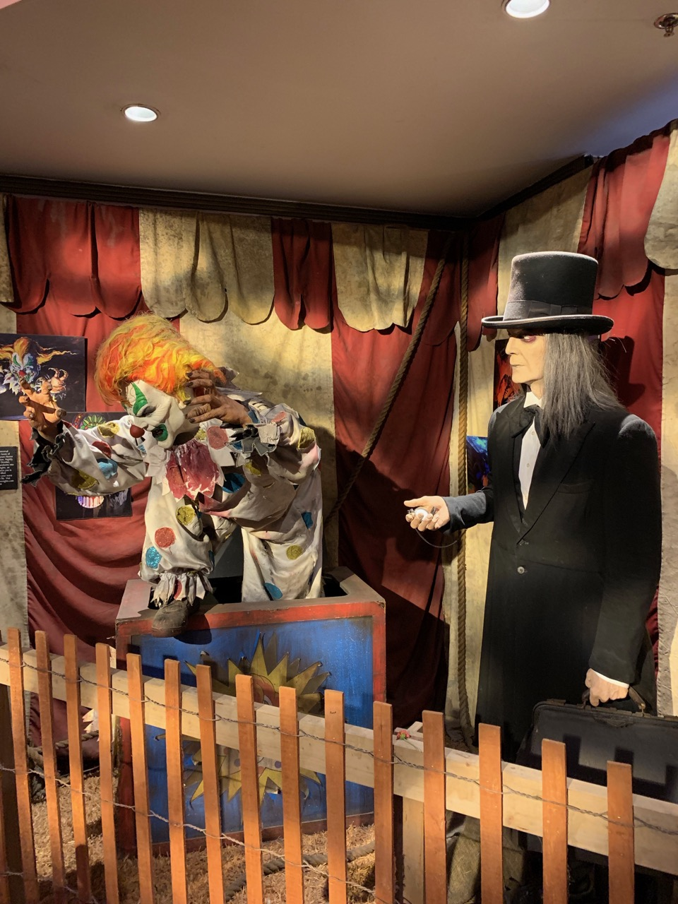 universal orlando summer 2019 trip report part 3 horror display.jpeg