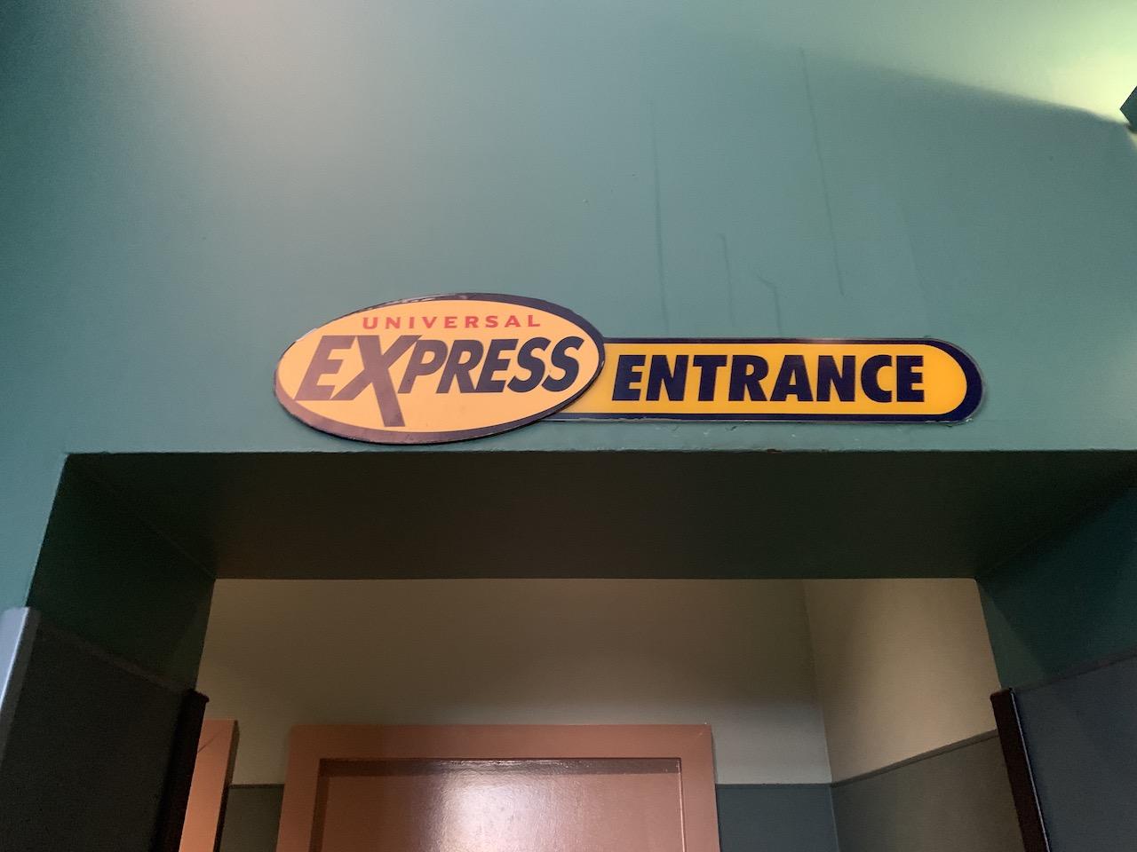 universal orlando summer 2019 trip report part 4 express sign.jpeg