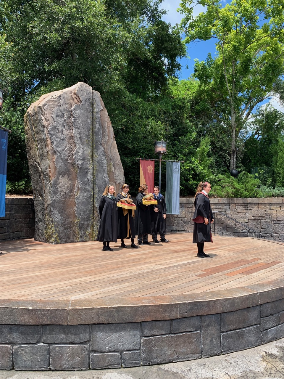 universal orlando summer 2019 trip report part 5 froid choir.jpeg
