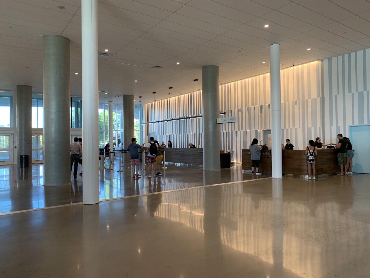 universal aventura hotel review lobby 2.jpeg