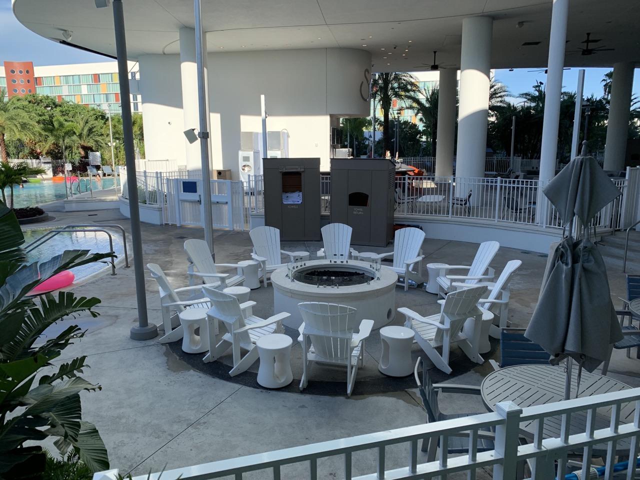 universal aventura hotel review outside 2.jpeg