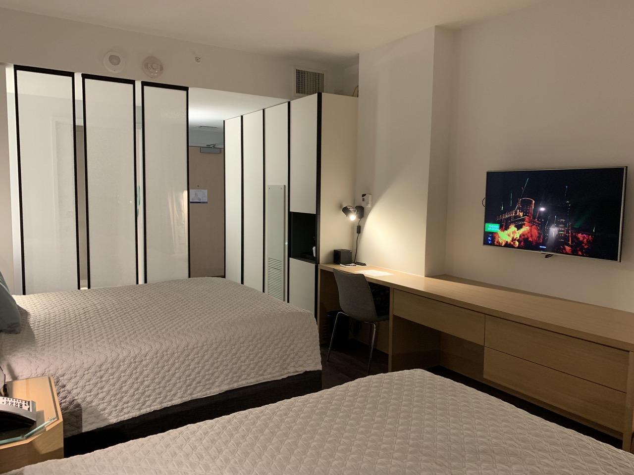 universal aventura hotel review room 7.jpeg