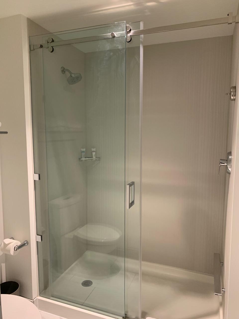 universal aventura hotel review bathroom 2.jpeg
