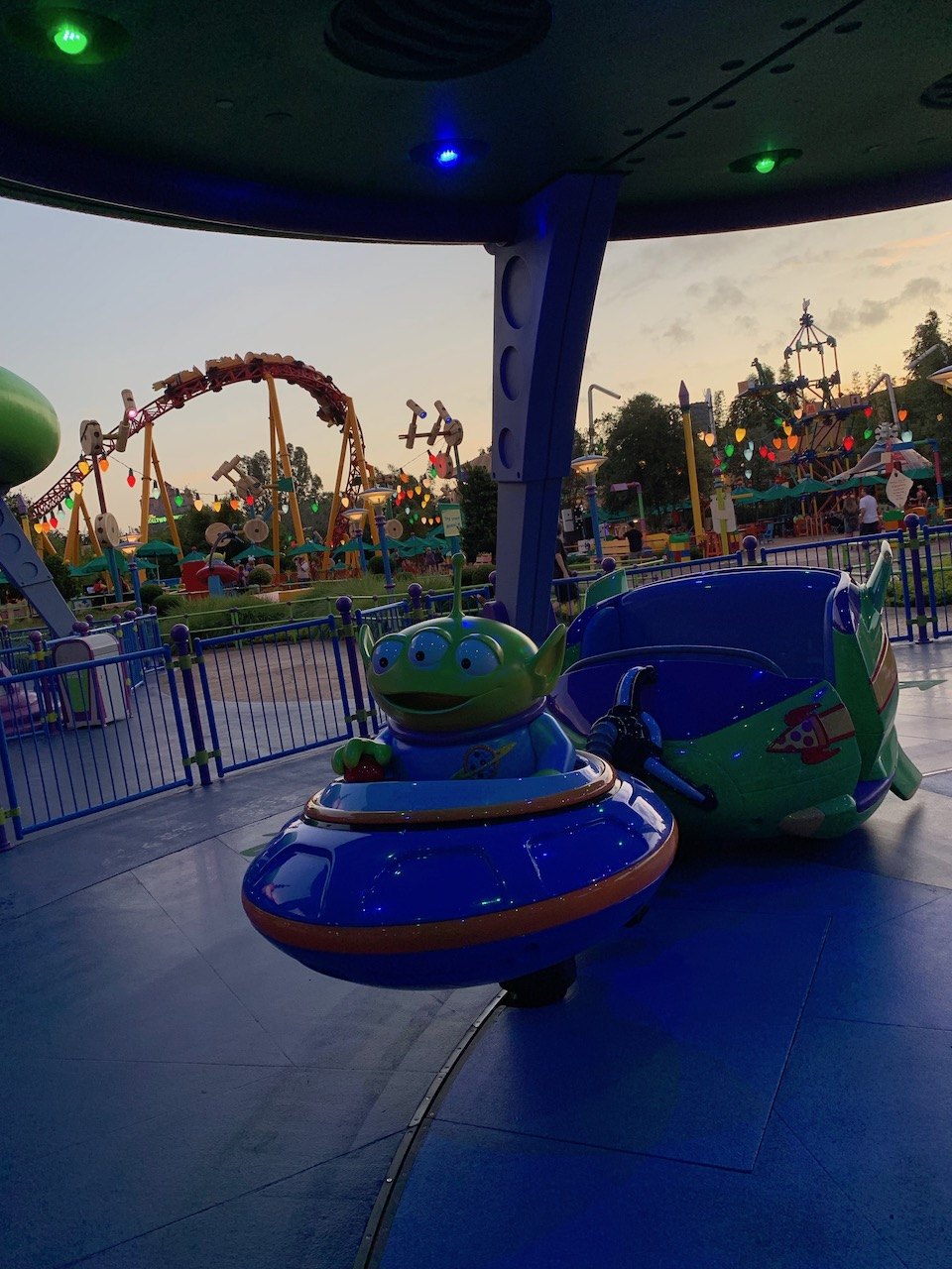 hollywood studios one day itinerary alien swirling saucers.jpeg