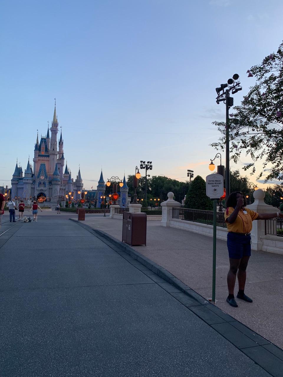 wdw trip report magic kingdom extra extra magic hour 02.jpeg