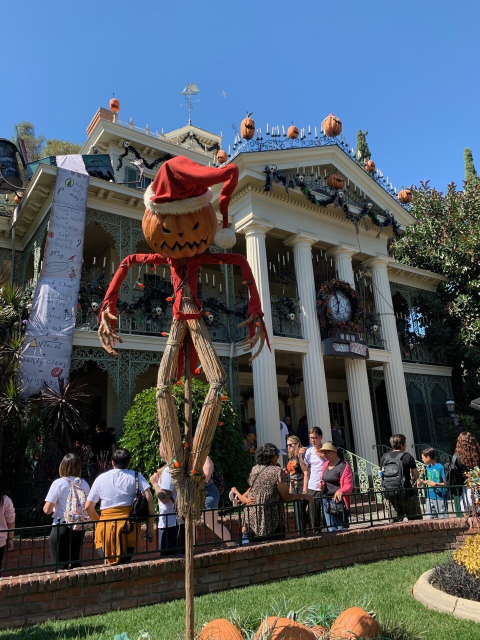 haunted mansion holiday 01.jpeg