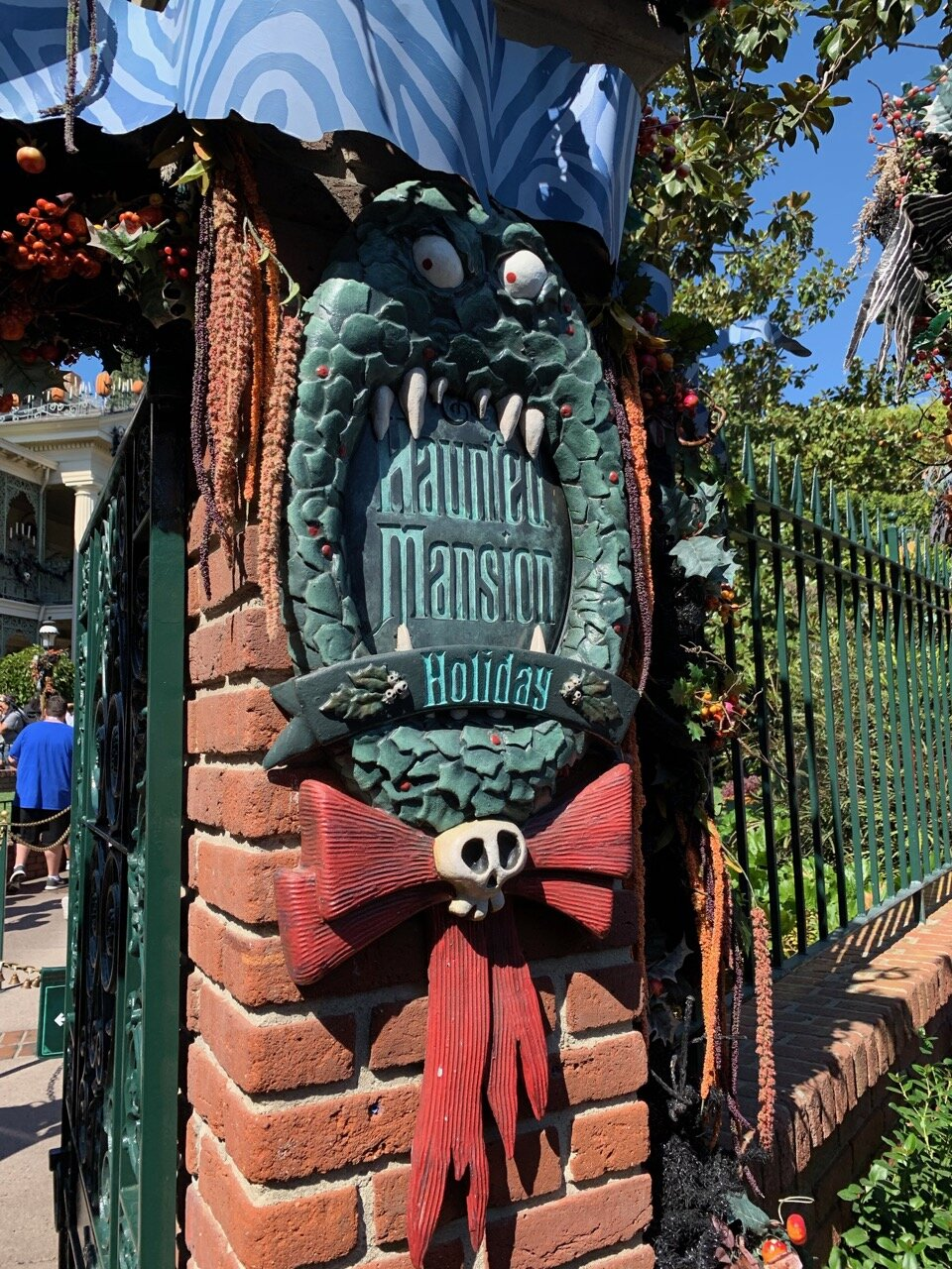 haunted mansion holiday 05.jpeg