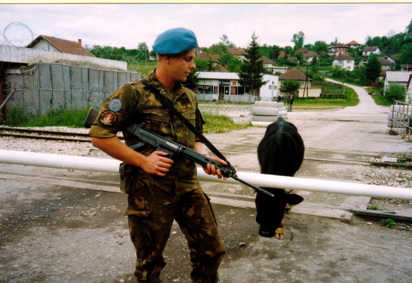 Guarding lukavac - 1995.JPG