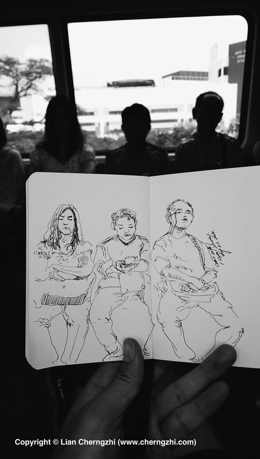 Man-who-sketched-on-every-single-Bus-Train-and-Airplane-he-boarded.7__880.jpg
