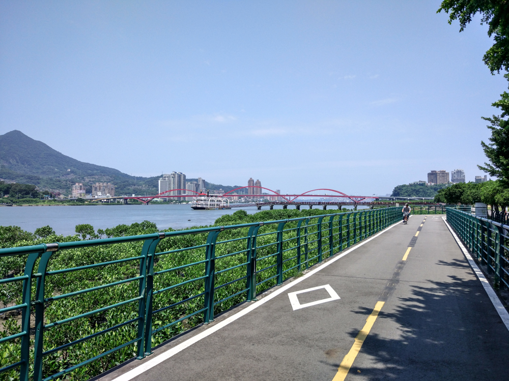 Entire cycling path runs along the river.