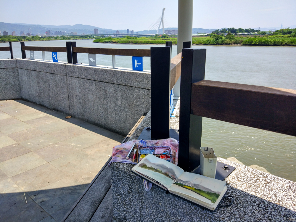 After Beitou , I found a spot to paint in the shelter. It was super nice.